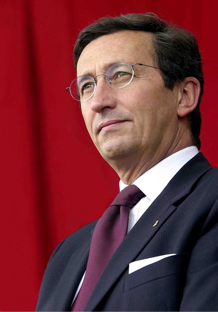 Gianfranco fini presidente camera dei deputati mondo for Presidente camera dei deputati 2013